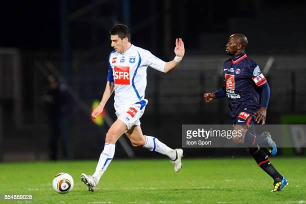 Daniel NICULAE / Claude MAKELELE Auxerre / PSG 1/4 de finale de Coupe de France Stade Abbe Deschamps Auxerre