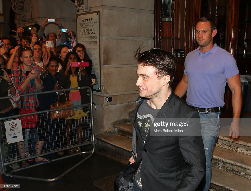 <a gi-track='captionPersonalityLinkClicked' href=/galleries/search?phrase=Daniel+Radcliffe&family=editorial&specificpeople=204144 ng-click='$event.stopPropagation()'>Daniel Radcliffe</a> leaving the Noel Coward theatre following his performance in The Cripple of the Inishmaan on August 17, 2013 in London, England.