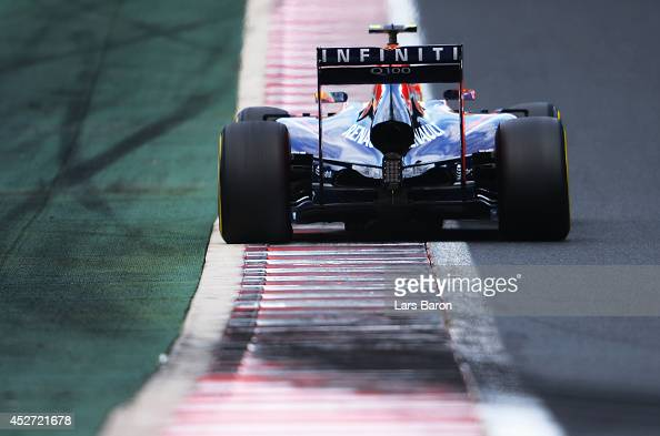Daniel Ricciardo of Australia and Infiniti Red Bull Racing drives during qualifying ahead of the Hungarian Formula One Grand Prix at Hungaroring on...