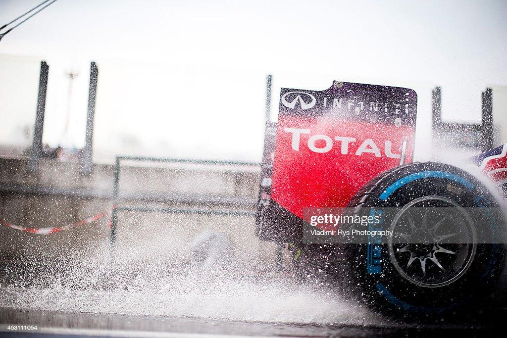 Daniel Ricciardo of Australia and Infiniti Red Bull Racing drives during the Hungarian Formula One Grand Prix at Hungaroring on July 27, 2014 in Budapest, Hungary.