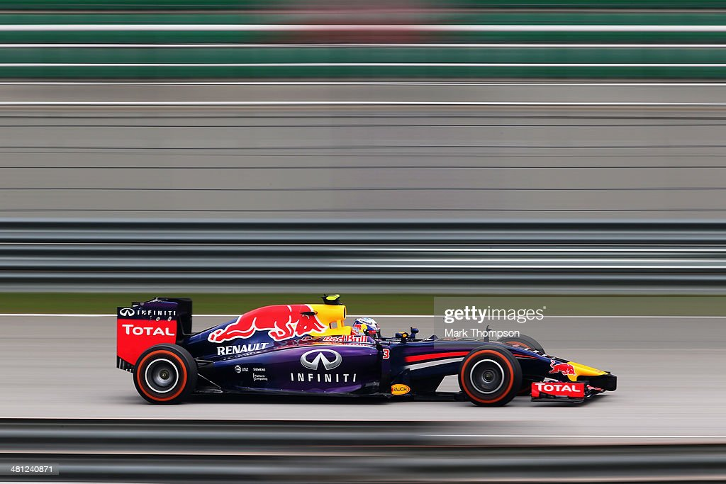 <a gi-track='captionPersonalityLinkClicked' href=/galleries/search?phrase=Daniel+Ricciardo&family=editorial&specificpeople=6547569 ng-click='$event.stopPropagation()'>Daniel Ricciardo</a> of Australia and Infiniti Red Bull Racing drives during the final practice session prior to qualifying for the Malaysia Formula One Grand Prix at the Sepang Circuit on March 29, 2014 in Kuala Lumpur, Malaysia.