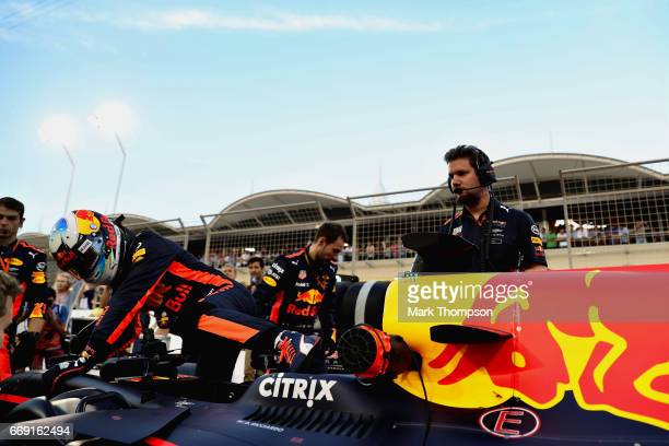 Daniel Ricciardo of Australia and Red Bull Racing on the grid during the Bahrain Formula One Grand Prix at Bahrain International Circuit on April 16...