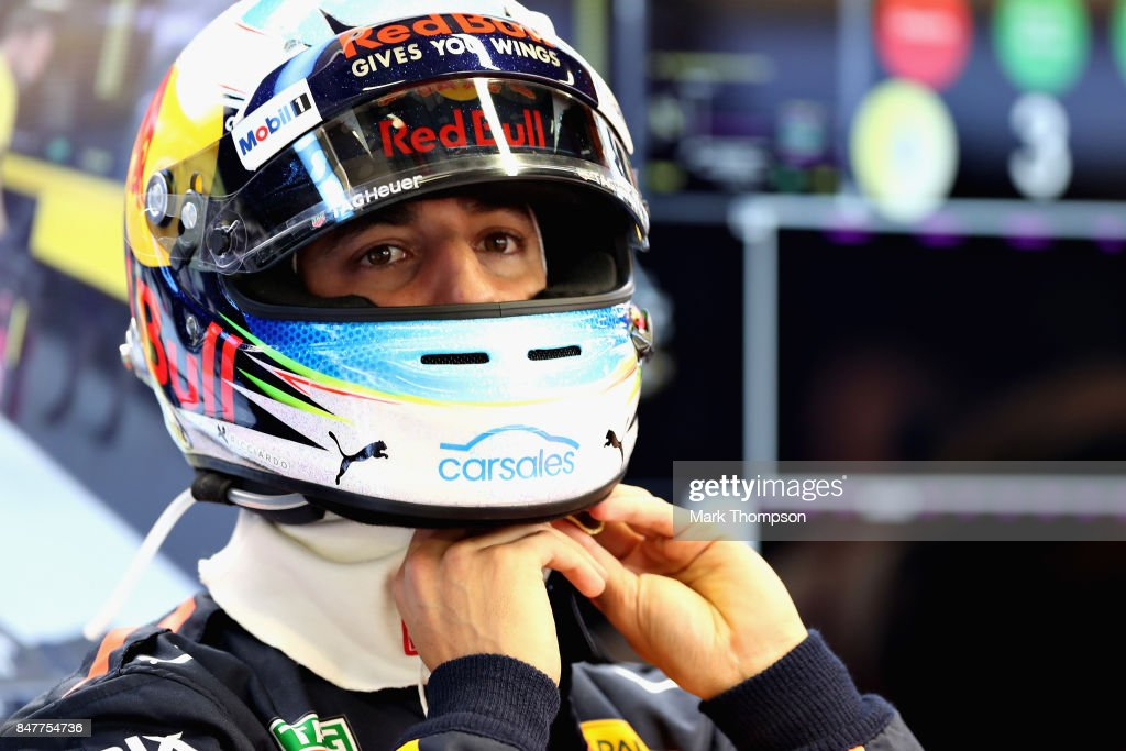 Daniel Ricciardo of Australia and Red Bull Racing prepares to drive during final practice for the Formula One Grand Prix of Singapore at Marina Bay Street Circuit on September 16, 2017 in Singapore.