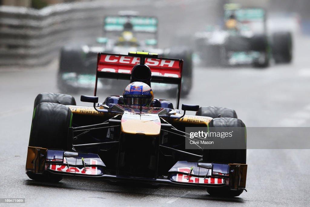 Daniel Ricciardo of Australia and Scuderia Toro Rosso drives during qualifying for the Monaco Formula One Grand Prix at the Circuit de Monaco on May 25, 2013 in Monte-Carlo, Monaco.