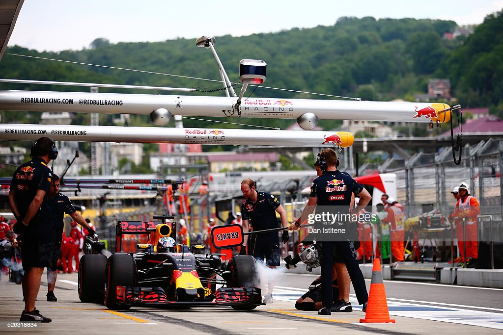 <a gi-track='captionPersonalityLinkClicked' href=/galleries/search?phrase=Daniel+Ricciardo&family=editorial&specificpeople=6547569 ng-click='$event.stopPropagation()'>Daniel Ricciardo</a> of Australia driving the (3) Red Bull Racing Red Bull-TAG Heuer RB12 TAG Heuer comes back into the pits during final practice ahead of the Formula One Grand Prix of Russia at Sochi Autodrom on April 30, 2016 in Sochi, Russia.