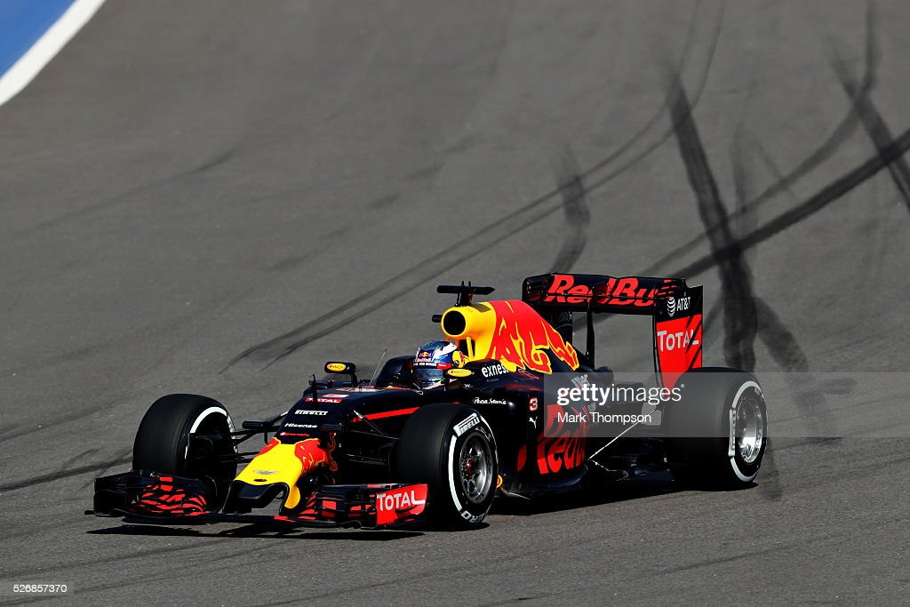 Daniel Ricciardo of Australia driving the (3) Red Bull Racing Red Bull-TAG Heuer RB12 TAG Heuer on track during the Formula One Grand Prix of Russia at Sochi Autodrom on May 1, 2016 in Sochi, Russia.