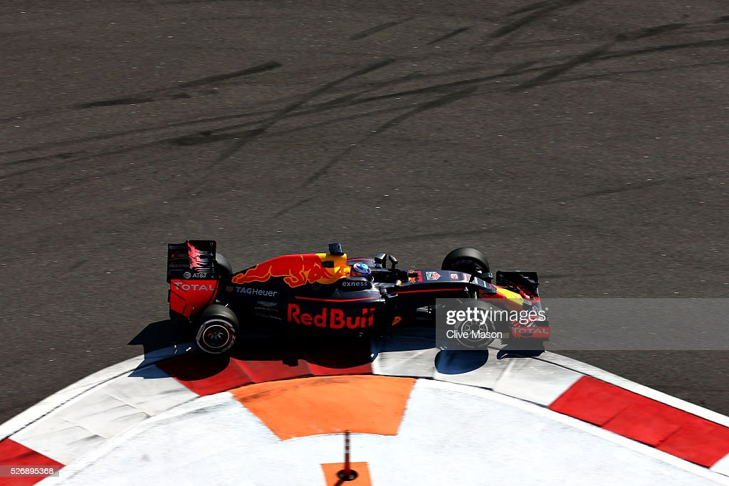 <a gi-track='captionPersonalityLinkClicked' href=/galleries/search?phrase=Daniel+Ricciardo&family=editorial&specificpeople=6547569 ng-click='$event.stopPropagation()'>Daniel Ricciardo</a> of Australia driving the (3) Red Bull Racing Red Bull-TAG Heuer RB12 TAG Heuer on track during the Formula One Grand Prix of Russia at Sochi Autodrom on May 1, 2016 in Sochi, Russia.