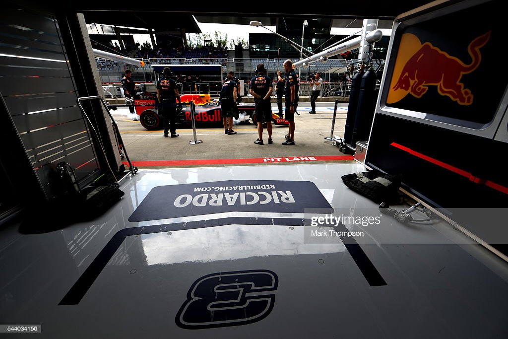 <a gi-track='captionPersonalityLinkClicked' href=/galleries/search?phrase=Daniel+Ricciardo&family=editorial&specificpeople=6547569 ng-click='$event.stopPropagation()'>Daniel Ricciardo</a> of Australia driving the (3) Red Bull Racing Red Bull-TAG Heuer RB12 TAG Heuer stops outside the garage during practice for the Formula One Grand Prix of Austria at Red Bull Ring on July 1, 2016 in Spielberg, Austria.