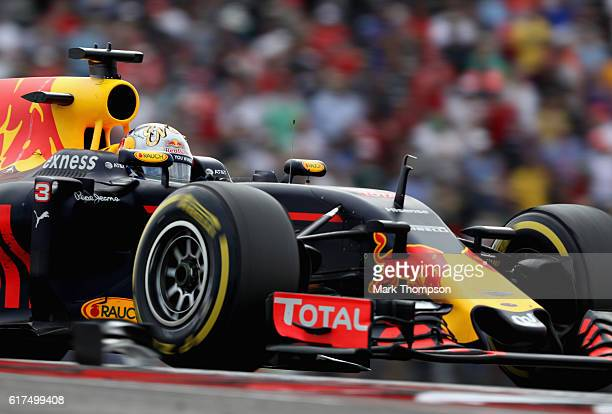 Daniel Ricciardo of Australia driving the Red Bull Racing Red BullTAG Heuer RB12 TAG Heuer on track during the United States Formula One Grand Prix...