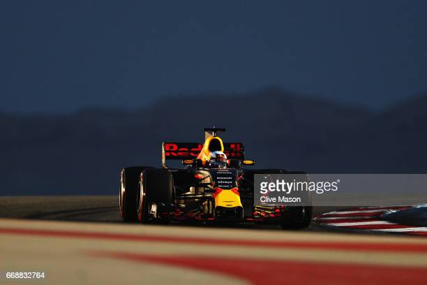 Daniel Ricciardo of Australia driving the Red Bull Racing Red BullTAG Heuer RB13 TAG Heuer on track during qualifying for the Bahrain Formula One...