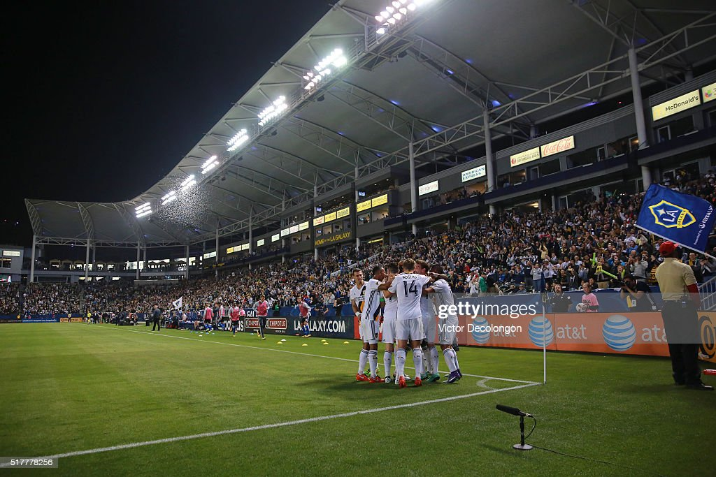 Daniel Steres Ashley Cole Robbie Keane Robbie Rogers Mike Magee and Sebastian Lletget of the Los Angeles Galaxy celebrate with teammate Gyasi Zardes...