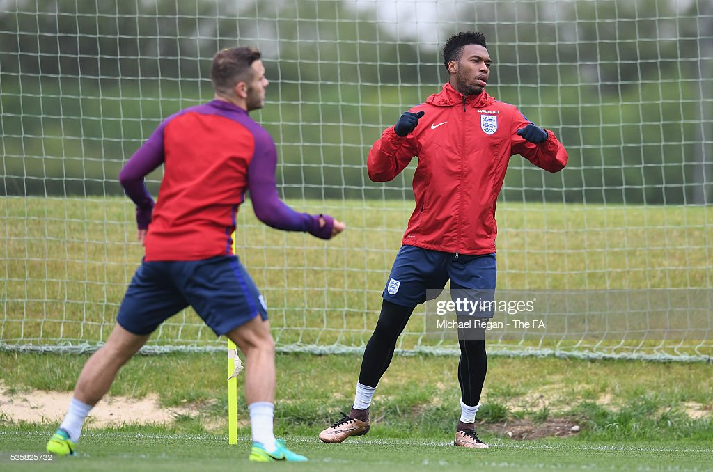 <a gi-track='captionPersonalityLinkClicked' href=/galleries/search?phrase=Daniel+Sturridge+-+Soccer+Player&family=editorial&specificpeople=677270 ng-click='$event.stopPropagation()'>Daniel Sturridge</a> and <a gi-track='captionPersonalityLinkClicked' href=/galleries/search?phrase=Jack+Wilshere&family=editorial&specificpeople=5446655 ng-click='$event.stopPropagation()'>Jack Wilshere</a> of England warm up during an England training session at London Colney on May 30, 2016, near St Albans, England.