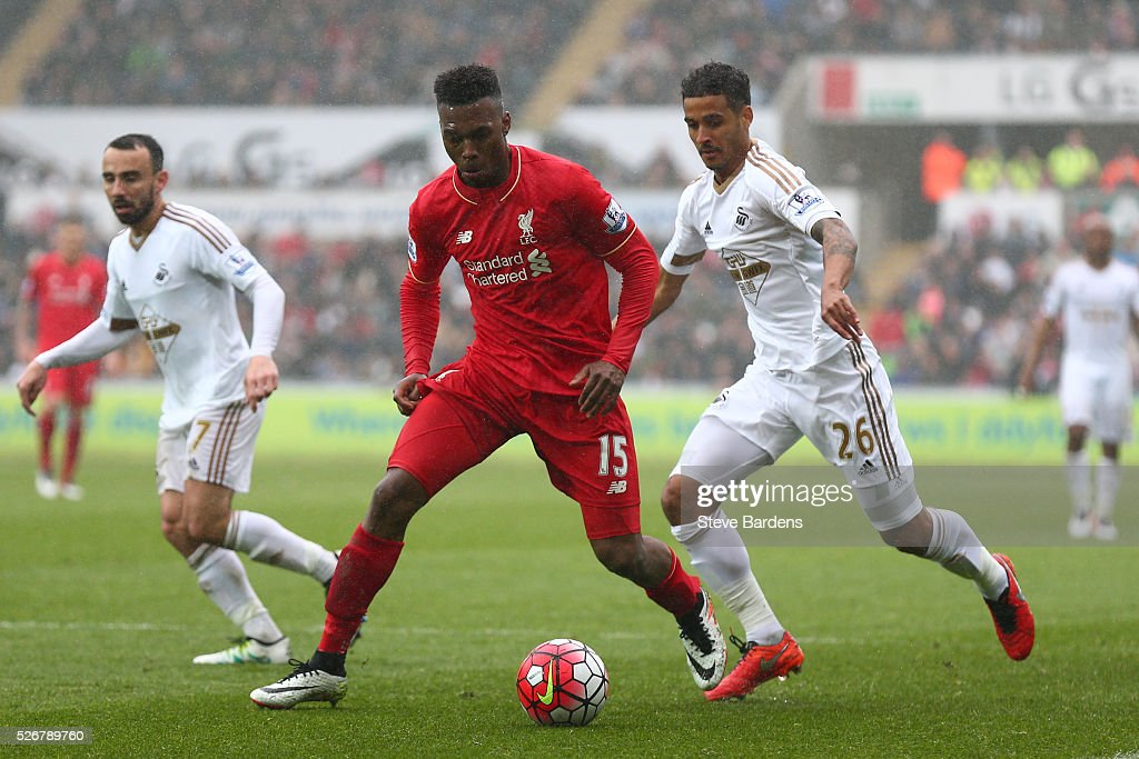 <a gi-track='captionPersonalityLinkClicked' href=/galleries/search?phrase=Daniel+Sturridge&family=editorial&specificpeople=677270 ng-click='$event.stopPropagation()'>Daniel Sturridge</a> of Liverpool is tracked by <a gi-track='captionPersonalityLinkClicked' href=/galleries/search?phrase=Kyle+Naughton&family=editorial&specificpeople=5635202 ng-click='$event.stopPropagation()'>Kyle Naughton</a> of Swansea City during the Barclays Premier League match between Swansea City and Liverpool at The Liberty Stadium on May 1, 2016 in Swansea, Wales.