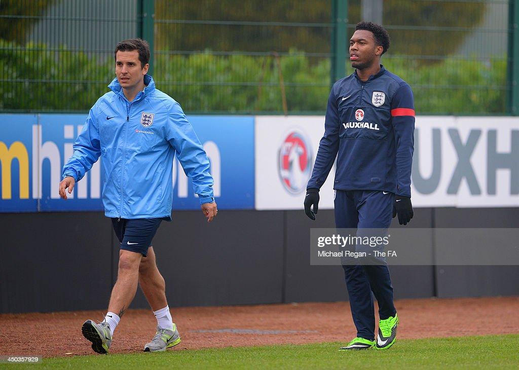 <a gi-track='captionPersonalityLinkClicked' href=/galleries/search?phrase=Daniel+Sturridge&family=editorial&specificpeople=677270 ng-click='$event.stopPropagation()'>Daniel Sturridge</a> walks out of training during the England training session at London Colney on November 18, 2013 in St Albans, England.