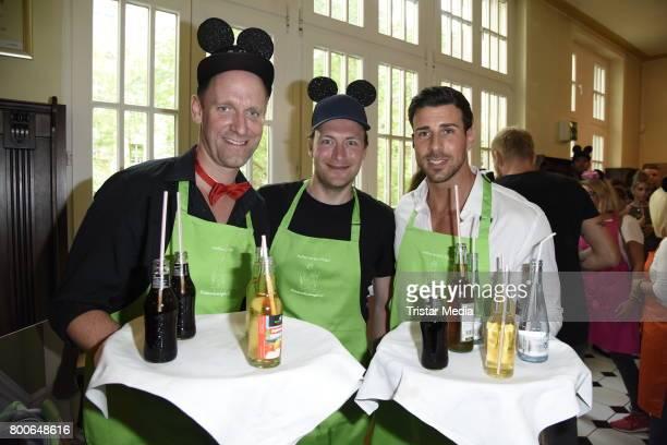 Daniel Termann Leonard Freier and Martin Stange attend the Kinderschutzengel SommernachtstraumGala 2017 at Queens 45 bc Event und Tagungslocation...