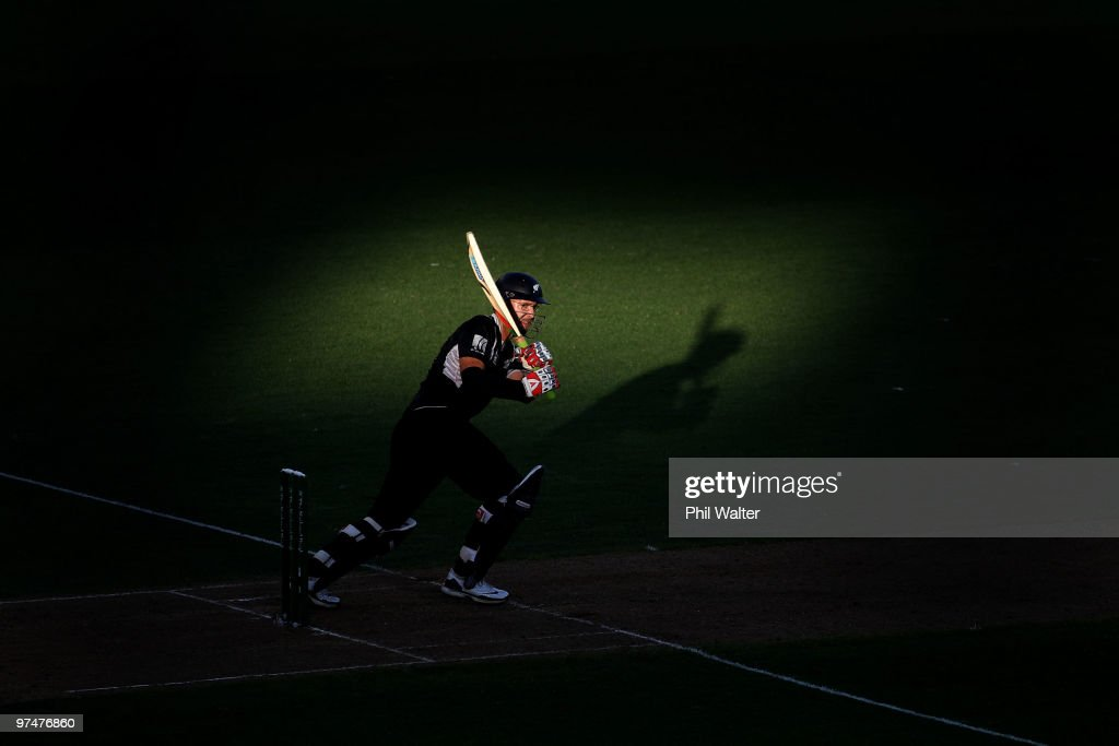 Daniel Vettori of New Zealand bats during the Second One Day International match between New Zealand and Australia at Eden Park on March 6 2010 in...