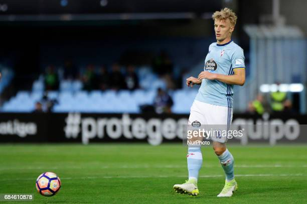 Daniel Wass midfielder of Celta de Vigo takes a shot during the La Liga Santander match between Celta de Vigo and Real Madrid at Balaidos Stadium on...