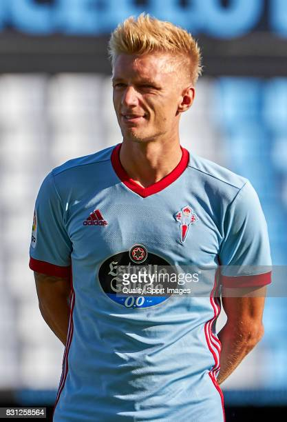 Daniel Wass of Celta de Vigo looks on prior to the preseason friendly match between Celta de Vigo and AS Roma at Balaidos Stadium on August 13 2017...