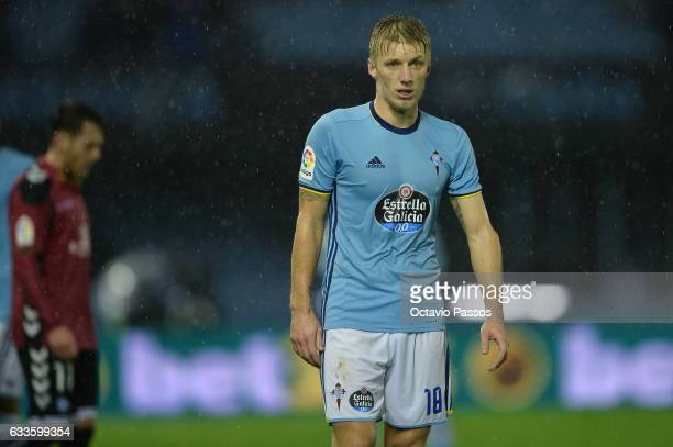 Daniel Wass of Celta de Vigo reacts during the Copa del Rey semifinal first leg match between Real Club Celta de Vigo and Deportivo Alaves at...