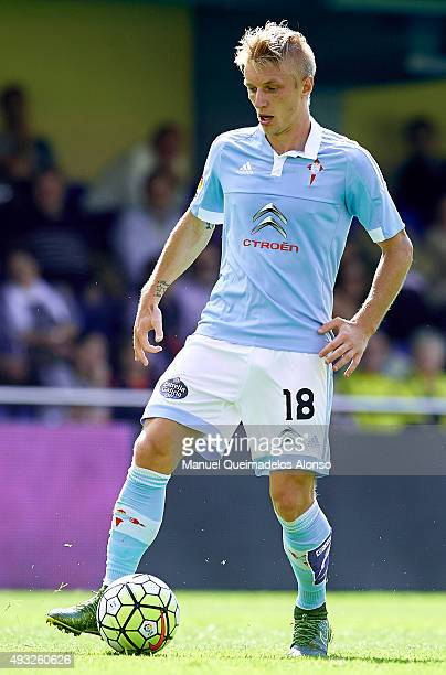 Daniel Wass of Celta runs with the ball during the La Liga match between Villarreal CF and RC Celta de Vigo at El Madrigal Stadium on October 18 2015...