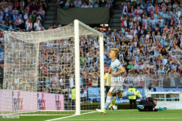 Daniel Wass of RC Celta reacts after missing a goal opportunity during the UEFA Europa League semi final first leg match between Celta Vigo and...