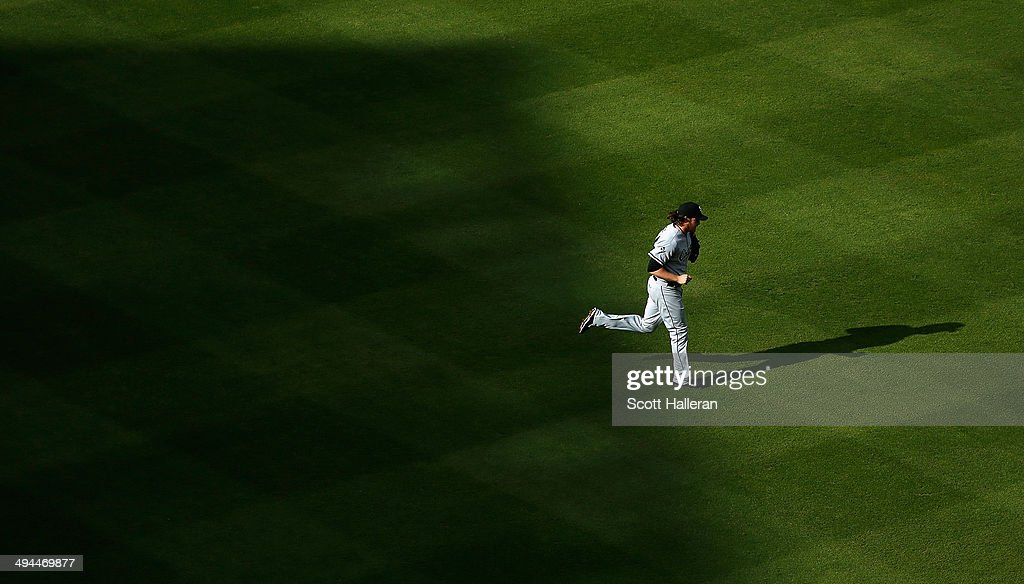 Daniel Webb #40 of the Chicago White Sox runs to the mound in the eighth inning of their game against the Houston Astros at Minute Maid Park on May 17, 2014 in Houston, Texas.