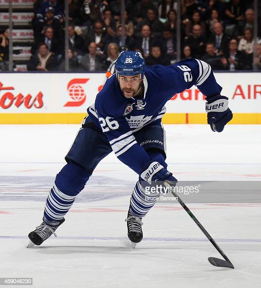 Daniel Winnik of the Toronto Maple Leafs skates against the Pittsburgh Penguins at the Air Canada Centre on November 14 2014 in Toronto Canada The...
