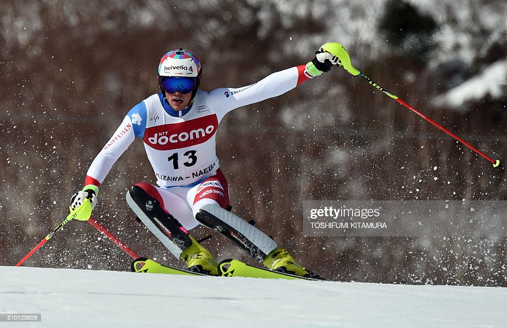 Daniel Yule of Switzerland skies down the course during the FIS Ski World Cup 2015/2016 men's slalom competition second run at the Naeba ski resort in Yuzawa town, Niigata prefecture on February 14, 2016. AFP PHOTO / TOSHIFUMI KITAMURA / AFP / TOSHIFUMI KITAMURA