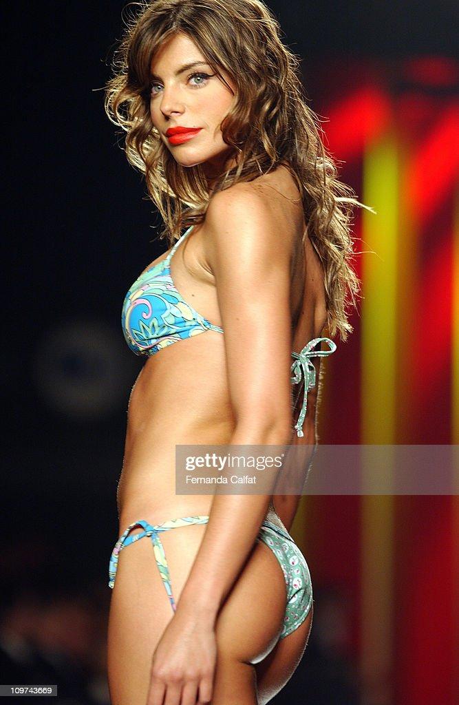 Daniela Cicarelli Nude Photos 99