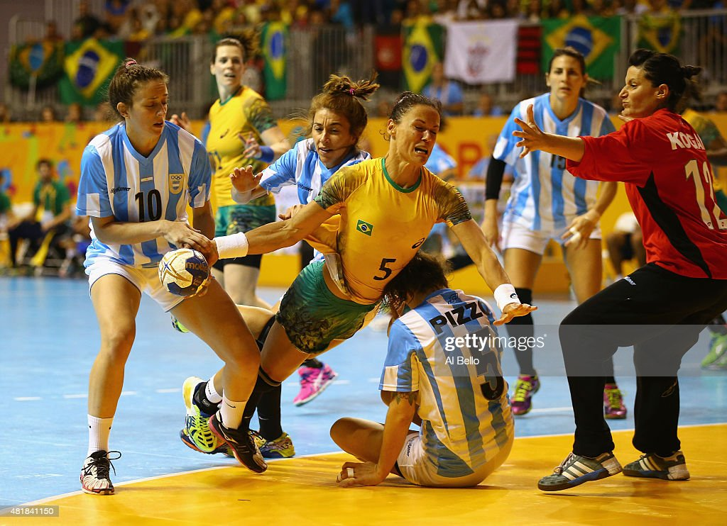<a gi-track='captionPersonalityLinkClicked' href=/galleries/search?phrase=Daniela+Piedade&family=editorial&specificpeople=2118040 ng-click='$event.stopPropagation()'>Daniela Piedade</a> #5 of Brazil shoots against Argentina during the Women's Handball Final at the Pan Am Games on July 24, 2015 in Toronto, Canada.