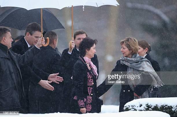 Daniela Schadt partner of German President Joachim Gauck welcomes Kyrgyz First Lady Raisa Atambayeva at Schloss Bellevue presidential palace on...