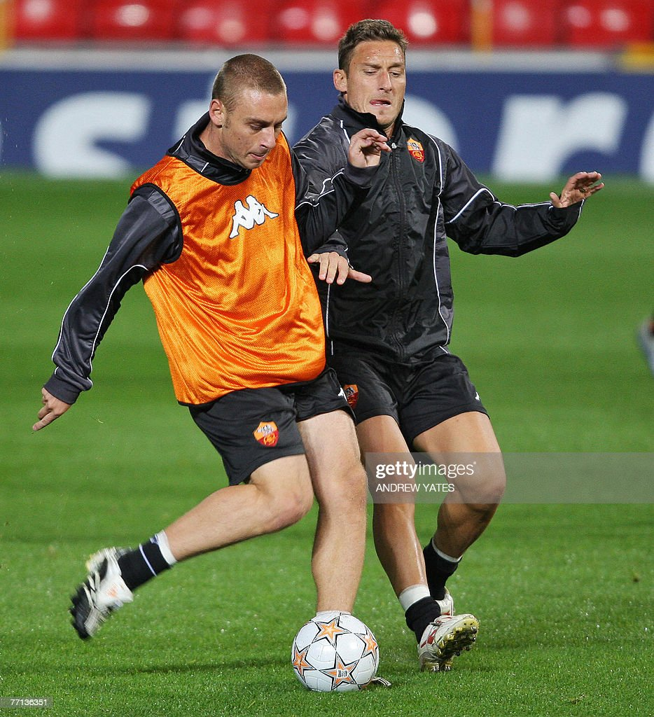 Daniele De Rossi L and Francesco Totti