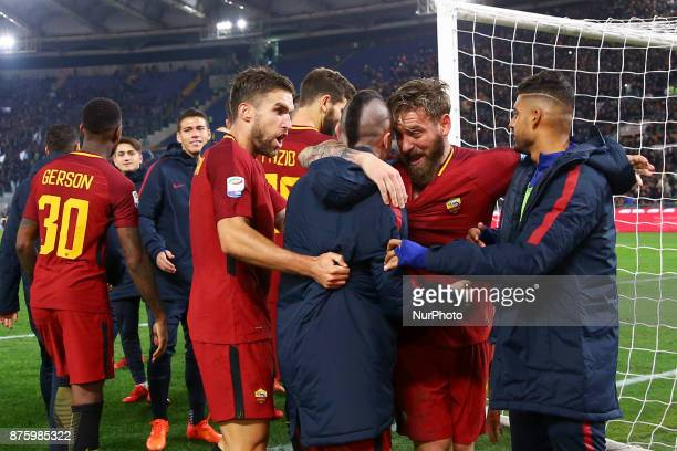 Daniele De Rossi celebrating with Kevin Strootman and Radja Nainggolan of Roma during the Italian Serie A football match AS Roma vs Lazio on November...