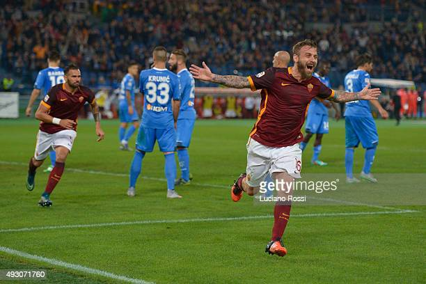 Daniele De Rossi of AS Roma celebrates after scoring the goal during the Serie A match between AS Roma and Empoli FC at Stadio Olimpico on October 17...