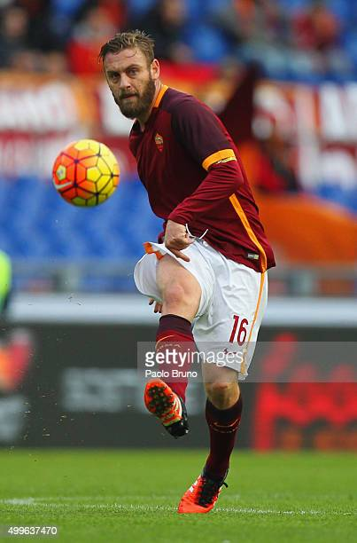 Daniele De Rossi of AS Roma in action during the Serie A match between AS Roma and Atalanta BC at Stadio Olimpico on November 29 2015 in Rome Italy