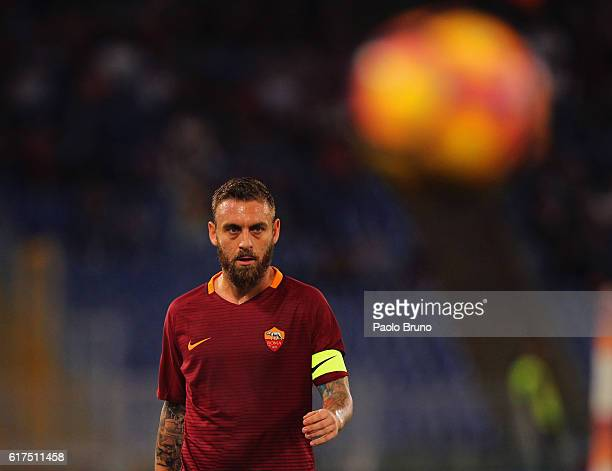 Daniele De Rossi of AS Roma looks on during the Serie A match between AS Roma and US Citta di Palermo at Stadio Olimpico on October 23 2016 in Rome...