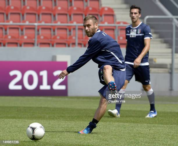 Daniele De Rossi of Italy during a training session ahead of UEFA EURO 2012 at Pilsudski stadium on June 8 2012 in Krakow Poland