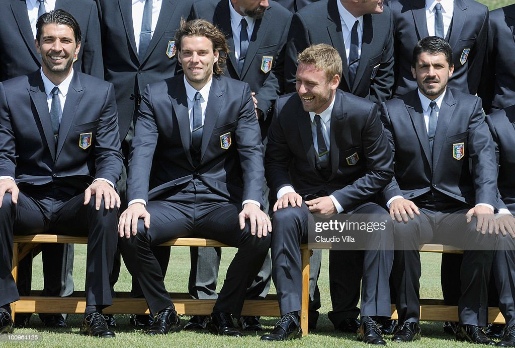 <a gi-track='captionPersonalityLinkClicked' href=/galleries/search?phrase=Daniele+De+Rossi&family=editorial&specificpeople=233652 ng-click='$event.stopPropagation()'>Daniele De Rossi</a> (C) of Italy during the official Fifa World Cup 2010 portrait session on May 26, 2010 in Sestriere near Turin, Italy.
