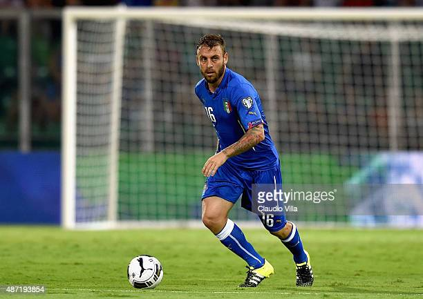 Daniele De Rossi of Italy in action during the UEFA EURO 2016 Qualifier match between Italy and Bulgaria on September 6 2015 in Palermo Italy