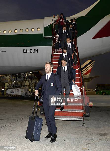Daniele De Rossi of Italy leaves the plane upon his arrival at Rio de Janeiro Galeao International airport on June 10 2013 in Rio de Janeiro Brazil