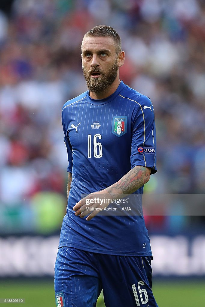 <a gi-track='captionPersonalityLinkClicked' href=/galleries/search?phrase=Daniele+De+Rossi&family=editorial&specificpeople=233652 ng-click='$event.stopPropagation()'>Daniele De Rossi</a> of Italy reacts during the UEFA Euro 2016 Round of 16 match between Italy and Spain at Stade de France on June 27, 2016 in Paris, France.
