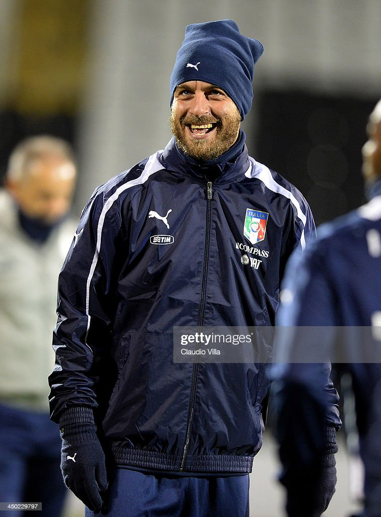 <a gi-track='captionPersonalityLinkClicked' href=/galleries/search?phrase=Daniele+De+Rossi&family=editorial&specificpeople=233652 ng-click='$event.stopPropagation()'>Daniele De Rossi</a> of Italy smiles during a training session at Craven Cottage on November 17, 2013 in London, England.