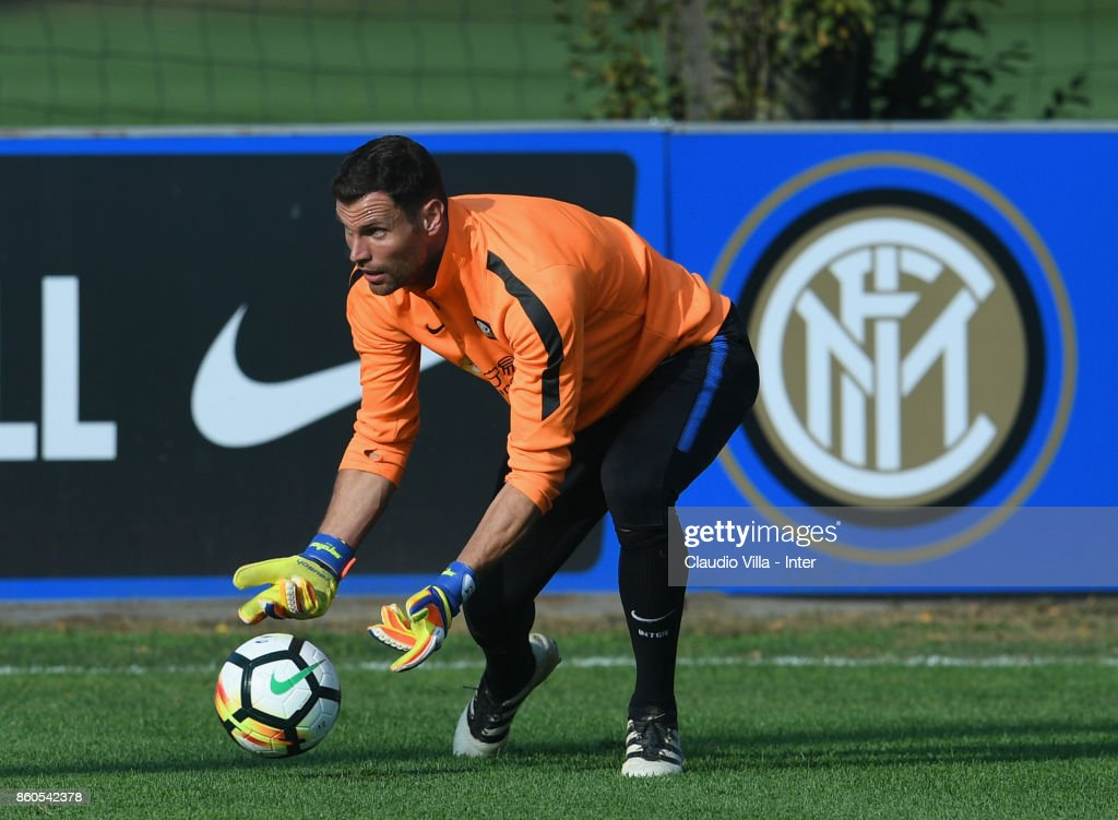 Daniele Padelli of FC Internazionale in action during the training session at Suning Training Center at Appiano Gentile on October 12, 2017 in Como, Italy.