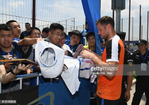 Daniele Padelli of FC Internazionale signs autographs for fans after a FC Interazionale training session at Suning training center on July 20 2017 in...