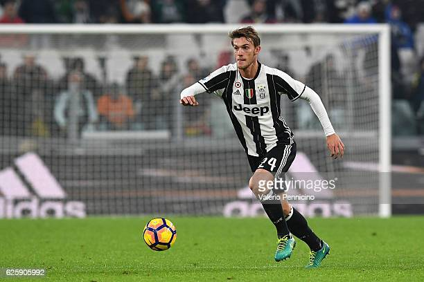 Daniele Rugani of Juventus FC in action during the Serie A match between Juventus FC and Pescara Calcio at Juventus Stadium on November 19 2016 in...