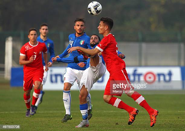 Daniele Verde of Italy competes for the ball with Jean Olivier Kleneir of Switzerland during the match between Italy U20 and Switzerland U20 at...