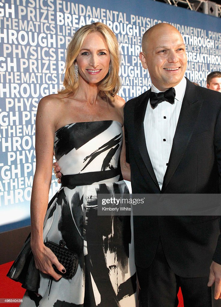 Danielle Lambert (L) and designer <a gi-track='captionPersonalityLinkClicked' href=/galleries/search?phrase=Tony+Fadell&family=editorial&specificpeople=8578729 ng-click='$event.stopPropagation()'>Tony Fadell</a> attend the 2016 Breakthrough Prize Ceremony on November 8, 2015 in Mountain View, California.