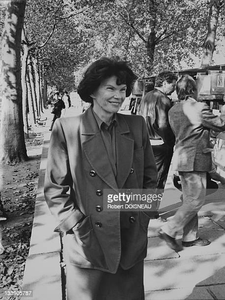 Danielle Mitterrand wife of Former French president Francois Mitterrand walking on Seine Quay on October 1989 in Paris France