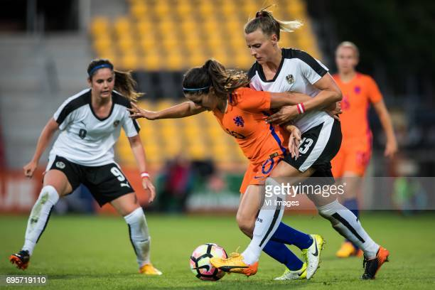 Danielle van de Donk of the Netherlands Virginia Kirchberger of Austriaduring the friendly match between the women of The Netherlands and Austria at...