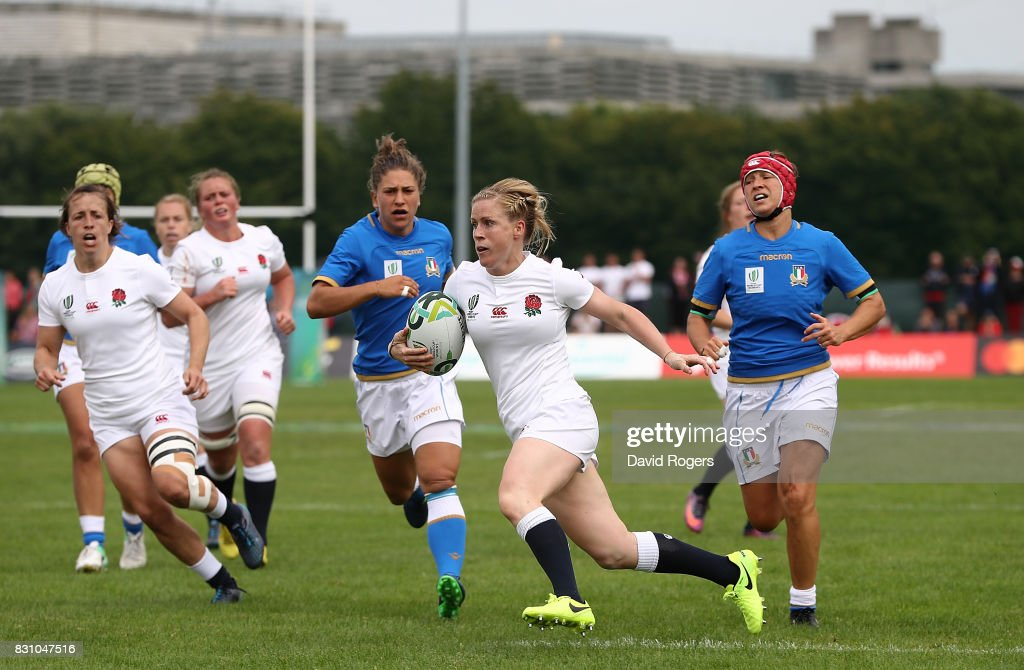 Danielle Waterman of England scores a try during the Women's Rugby World Cup 2017 between England and Italy on August 13, 2017 in Dublin, Ireland.